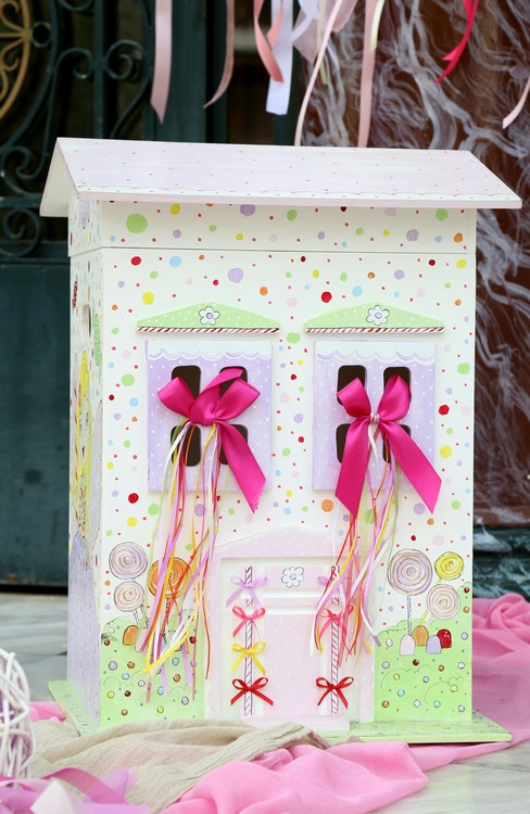 Candyland dollhouse